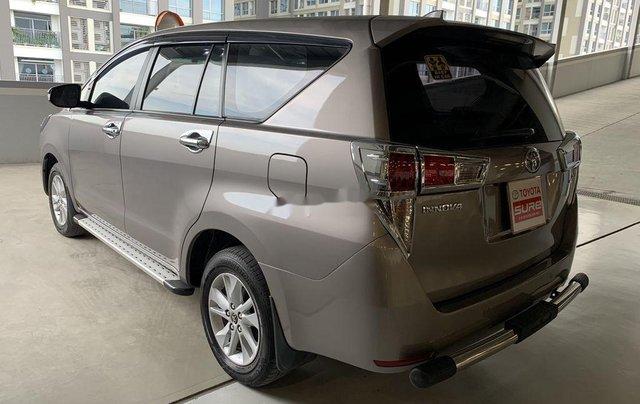 Bán Toyota Innova sản xuất năm 2016 còn mới, giá chỉ 545 triệu6