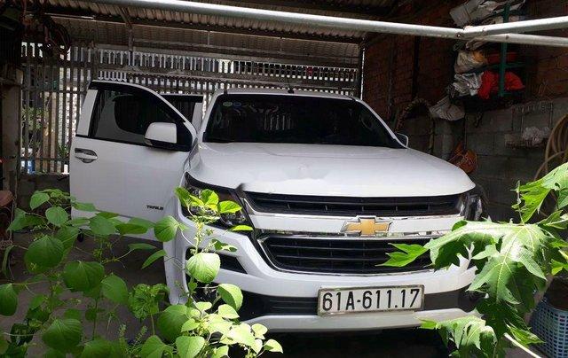 Cần bán xe Chevrolet Trailblazer năm sản xuất 2018, màu trắng, xe nhập 2