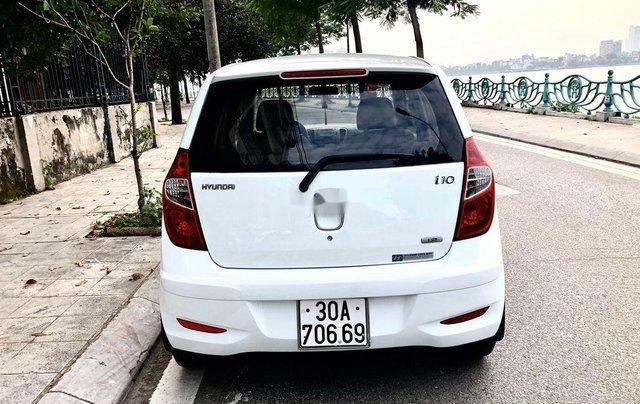 Bán xe Hyundai Grand i10 sản xuất 2012, màu trắng, nhập khẩu 2