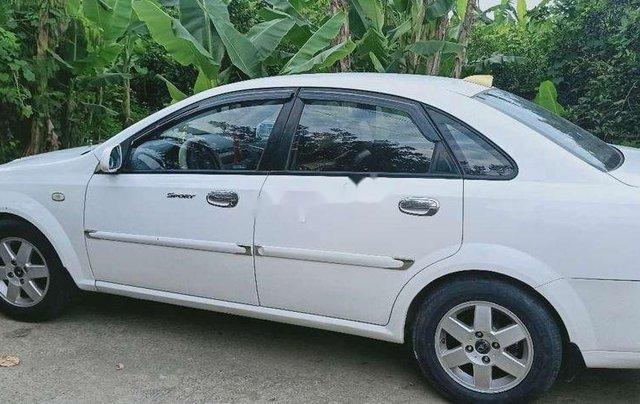 Bán xe Daewoo Lacetti năm sản xuất 2004 còn mới, giá tốt0