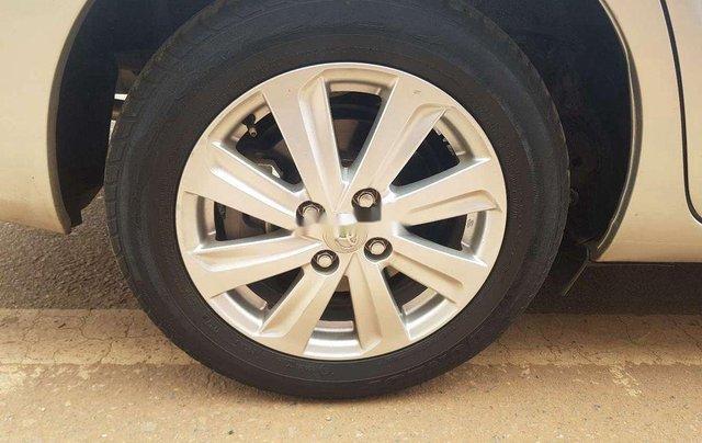 Bán Toyota Vios đời 2014, màu bạc chính chủ, 339 triệu6
