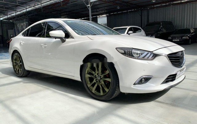Xe Mazda 6 đời 2015, màu trắng chính chủ, giá tốt2