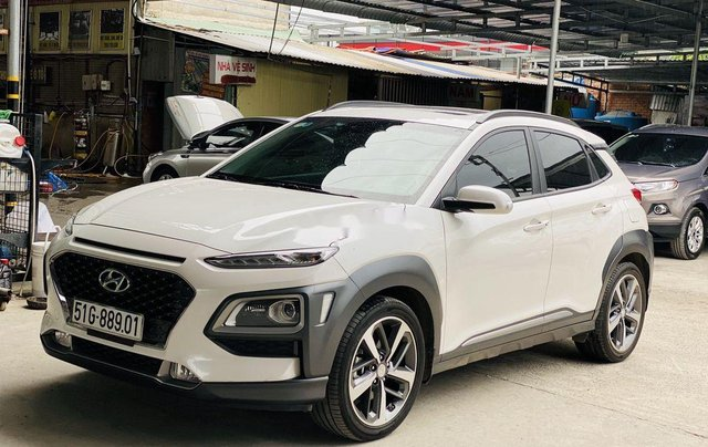 Cần bán gấp Hyundai Kona sản xuất năm 2019, 695 triệu2