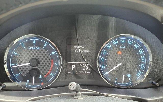 Cần bán xe Toyota Corolla Altis năm 2015, màu bạc5