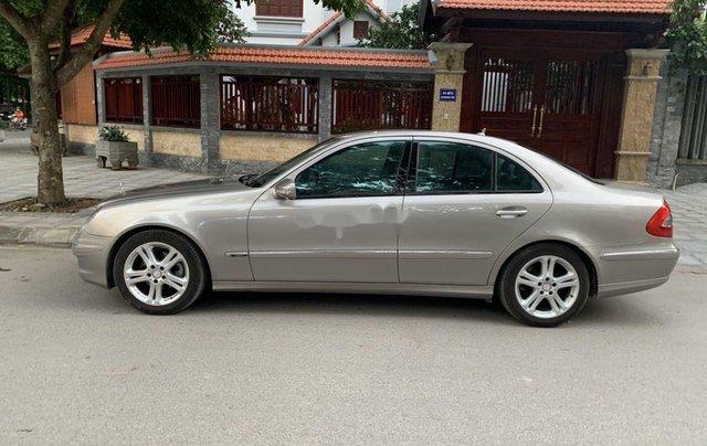 Cần bán xe Mercedes E200 Kompressor đời 2008, màu bạc2