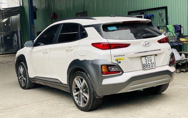 Cần bán gấp Hyundai Kona sản xuất năm 2019, 695 triệu4