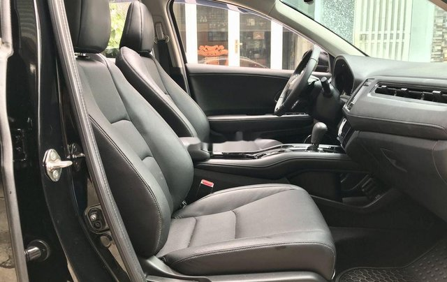 Bán xe Honda HR-V sản xuất 2018, màu đen, xe nhập còn mới9
