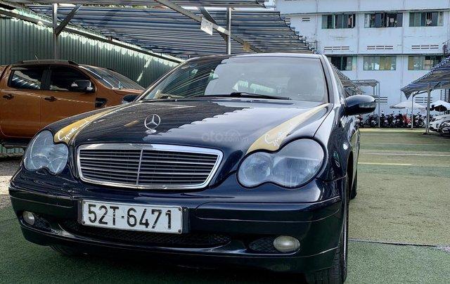 Cần bán Mercedes-Benz C class C180 màu xanh, sx năm 20021
