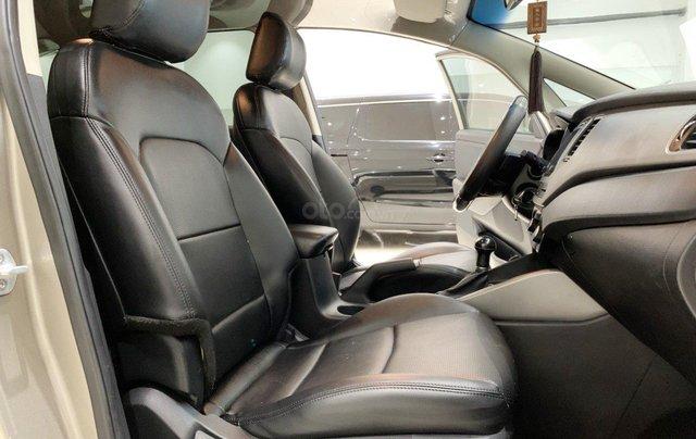 Bán xe Kia Rondo 2.0 GAT 2016, tự động, màu vàng cát, xe gia đình, mới đi 65.000 km8