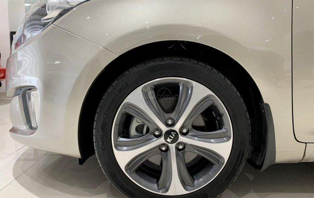 Bán xe Kia Rondo 2.0 GAT 2016, tự động, màu vàng cát, xe gia đình, mới đi 65.000 km10