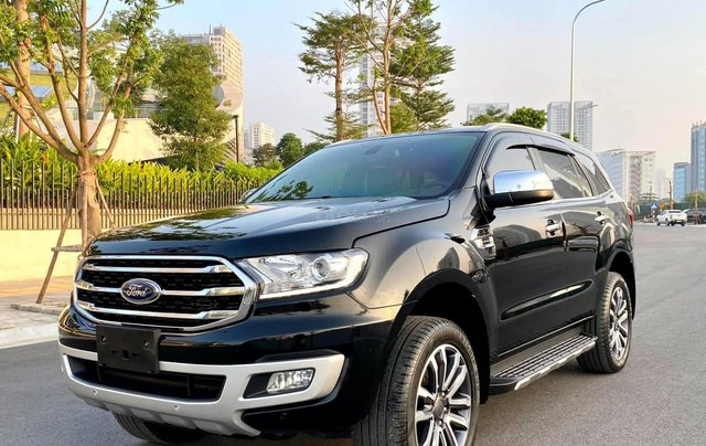 Cần bán xe Ford Everest 2019 màu đen2