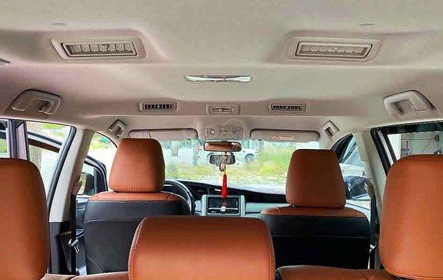 Bán Toyota Innova năm sản xuất 2018, màu bạc giá cạnh tranh4