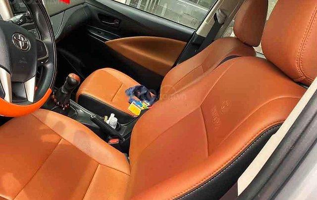 Bán Toyota Innova năm sản xuất 2018, màu bạc giá cạnh tranh3