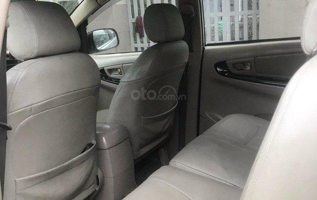 Cần bán gấp chiếc Toyota Innova đời 2007 màu bạc xe chính chủ còn mới3