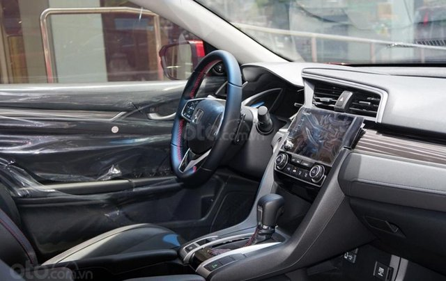 Khuyến mãi giảm giá sâu với chiếc Honda Civic RS 1.5 Turbo đời 2020, giao nhanh5