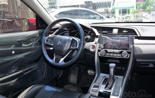 Khuyến mãi giảm giá sâu với chiếc Honda Civic RS 1.5 Turbo đời 2020, giao nhanh7