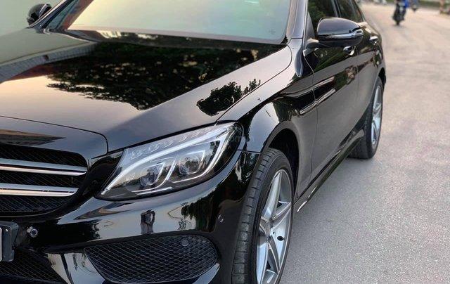 Xe chính chủ bán Mercedes C300 AMG sx 2015 màu đen nội thất đen, sang trọng đầy đẳng cấp, xe cam kết zin3