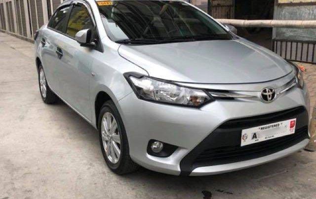 Bán Toyota Vios đời 2018 màu trắng1