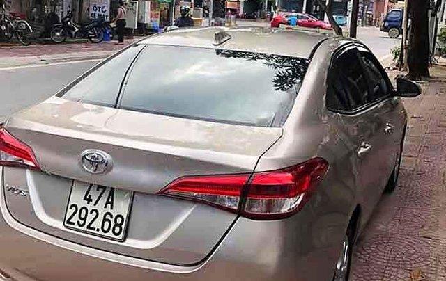 Bán Toyota Vios E sản xuất năm 2018, màu vàng cát2