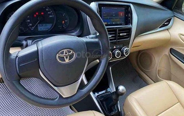 Bán Toyota Vios E sản xuất năm 2018, màu vàng cát4