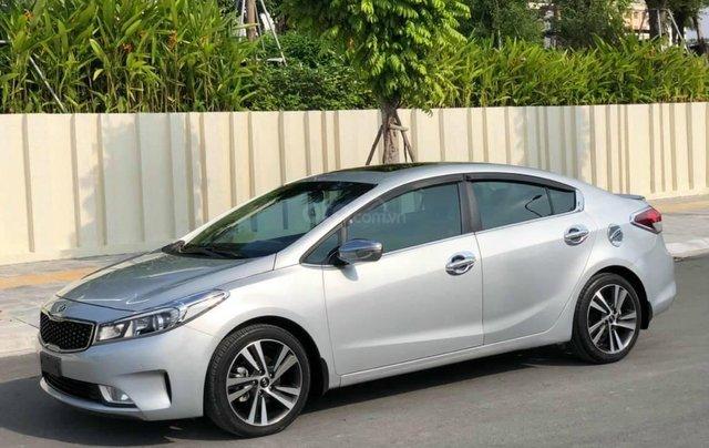 Cần bán xe Kia Cerato 1.6AT, đi 31000km sản xuất năm 2018, màu bạc2
