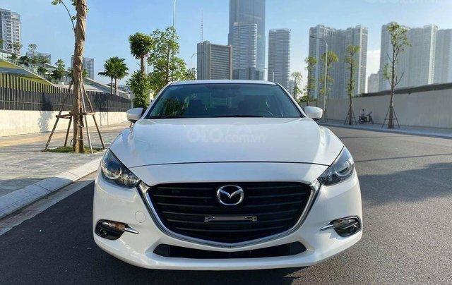 Bán em Mazda 3 1.5 sedan 2018, biển HN, màu trắng0