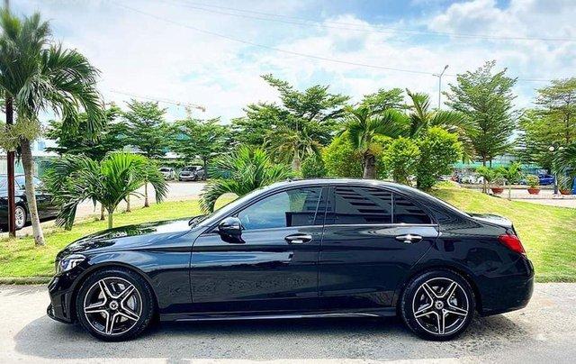 Hỗ trợ mua xe giá thấp với chiếc Mercedes-Benz C300 sản xuất 20182
