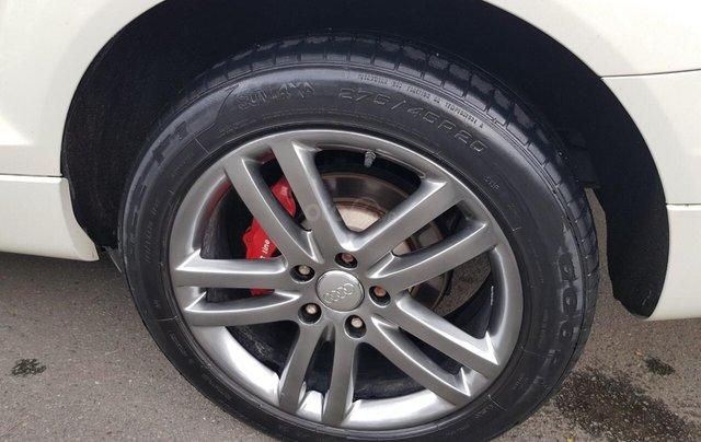 Cần bán xe Audi Q7 năm 2007 xe 7 chỗ, gia đình đi nên xe rất đẹp bảo dưỡng định kỳ, giá cực kỳ hấp dẫn6