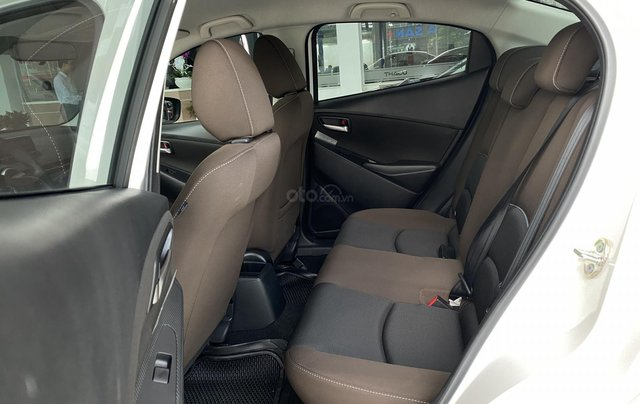 Mazda 2 nhập khẩu hoàn toàn mới giá mới nhiều ưu đãi kèm quà tặng T124