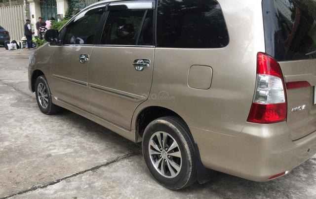 Chính chủ tôi cần bán Toyota Innova 2.0E 2014 số sàn, màu vàng cát3
