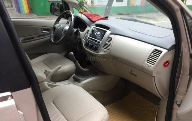 Chính chủ tôi cần bán Toyota Innova 2.0E 2014 số sàn, màu vàng cát9