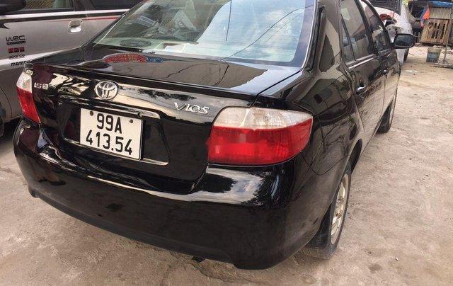 Cần bán gấp Toyota Vios đời 2005, màu đen chính chủ, 128tr1