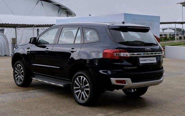 Bán xe Ford Everest sản xuất năm 2020, màu đen1