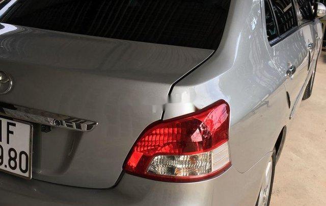 Cần bán gấp Toyota Vios đời 2008, màu bạc1