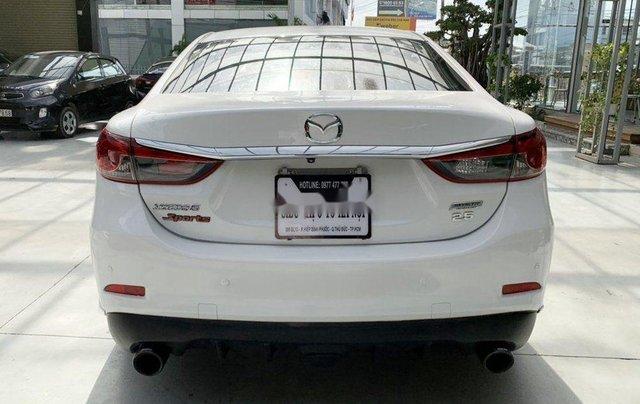 Xe Mazda 6 đời 2015, màu trắng chính chủ, giá tốt3