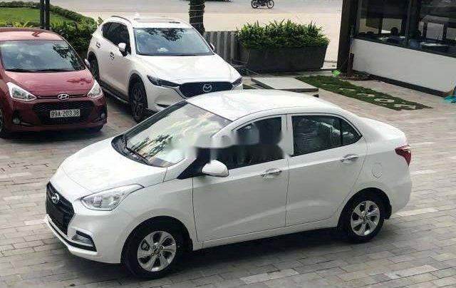 Bán Hyundai Grand i10 2018, màu trắng, xe nhập, giá tốt
