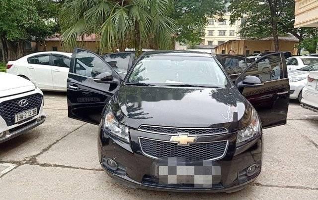 Bán ô tô Chevrolet Cruze năm sản xuất 2014, màu đen chính chủ0