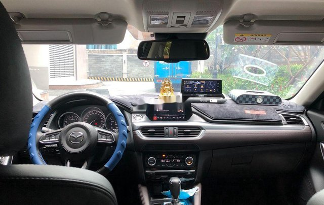 Cần bán xe Mazda 6 năm 2019, màu xám còn mới6