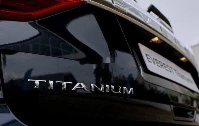 Bán xe Ford Everest sản xuất năm 2020, màu đen5