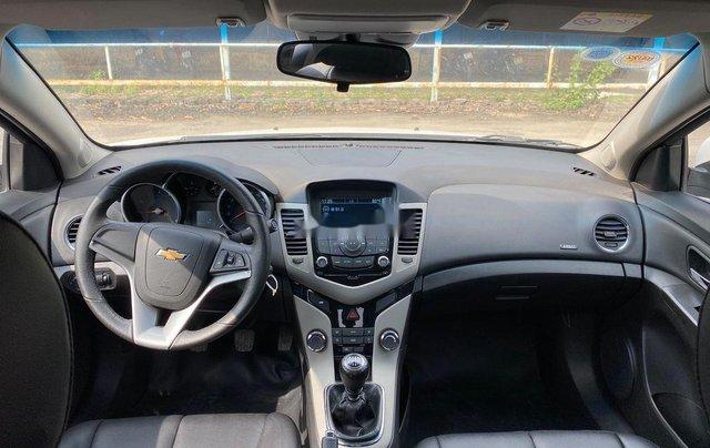 Cần bán lại xe Chevrolet Cruze 2017, màu trắng, giá 345tr6