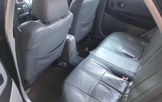 Cần bán xe Mazda 323 năm sản xuất 2003, giá tốt6