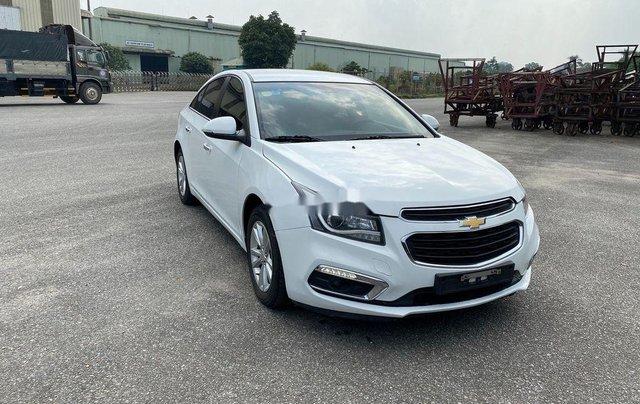 Cần bán lại xe Chevrolet Cruze 2017, màu trắng, giá 345tr0