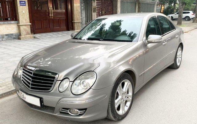 Cần bán xe Mercedes E200 Kompressor đời 2008, màu bạc0