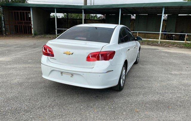Cần bán lại xe Chevrolet Cruze 2017, màu trắng, giá 345tr1