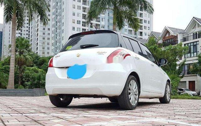 Cần bán gấp Suzuki Swift đời 2015, màu trắng1