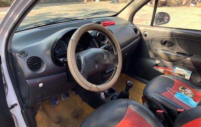 Cần bán gấp Daewoo Matiz năm 2004, màu trắng 4