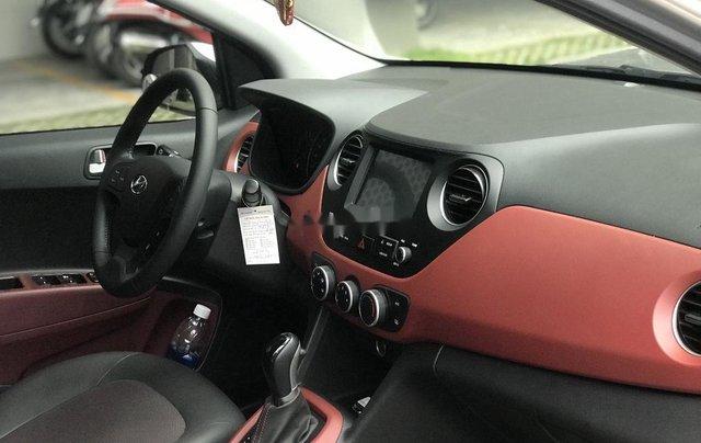 Cần bán Hyundai Grand i10 2019, màu bạc8