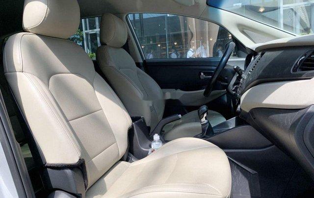 Cần bán Kia Rondo năm 2018, màu bạc chính chủ9