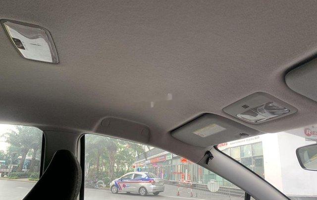 Bán Toyota Yaris sản xuất 2010, màu trắng, nhập khẩu còn mới, giá tốt9