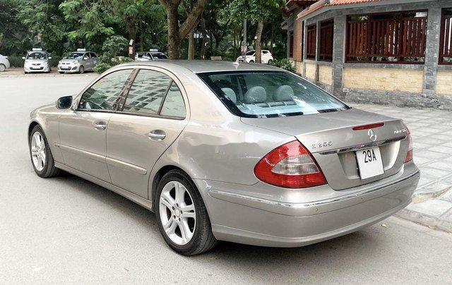 Cần bán xe Mercedes E200 Kompressor đời 2008, màu bạc1